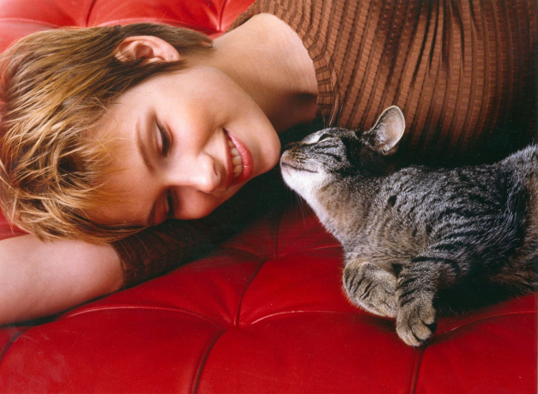 Single frauen katzen Crazy Cat Girl: 9 Dinge, die Männer wissen sollten, bevor sie eine